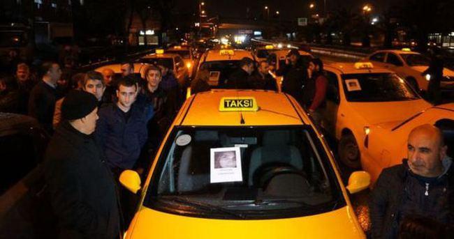 Taksiciler Özgecan Aslan için eylem yaptı