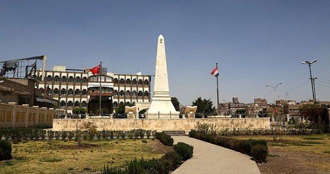 Sana'da bayrak dalgalanmaya devam ediyor
