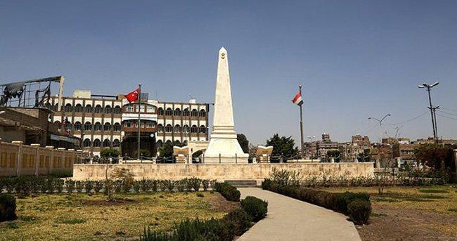 Sana'da Türk bayrağı dalgalanmaya devam ediyor