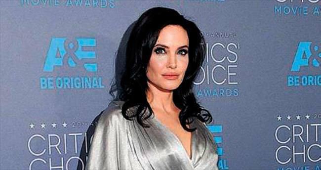 Oscar küskünü Jolie'ye baba desteği