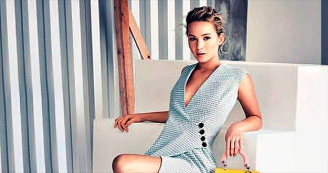 Reklam yıldızı Jennifer