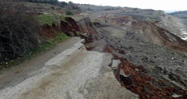 Manisa'da toprak kayması