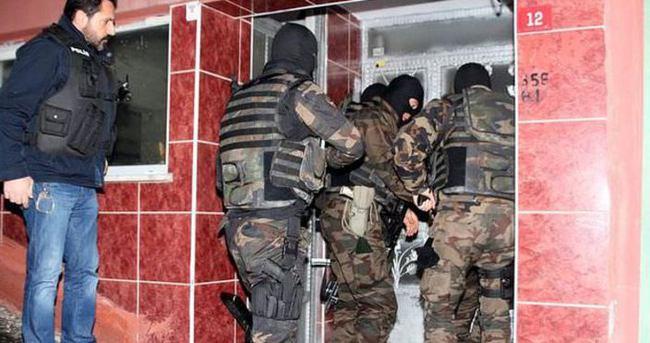 İstanbul'da şafak operasyonu
