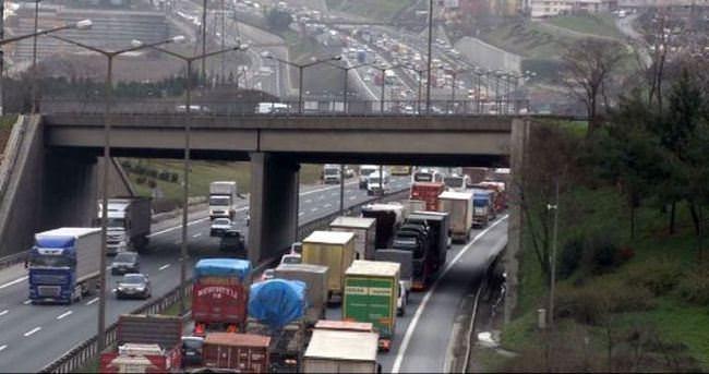 Fatih Sultan Mehmet Köprüsü'ü felç eden kaza
