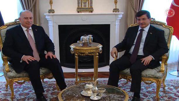 Davutoğlu Irak Cumhurbaşkanı Yardımcısıyla görüştü