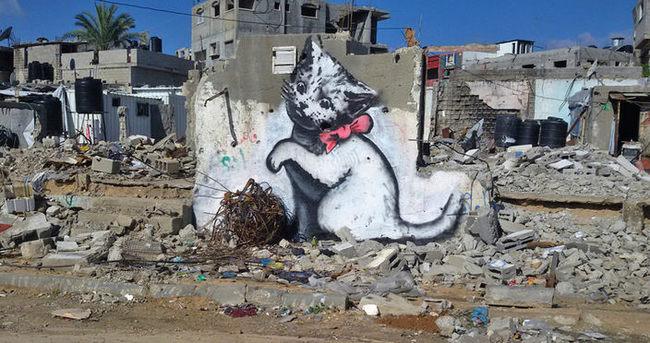 Gizemli sanatçı Filistin'i süsledi!