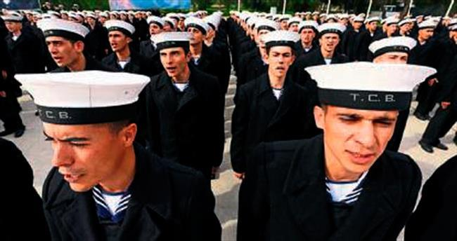 İzmir'de bahriyeliler törenle yemin etti