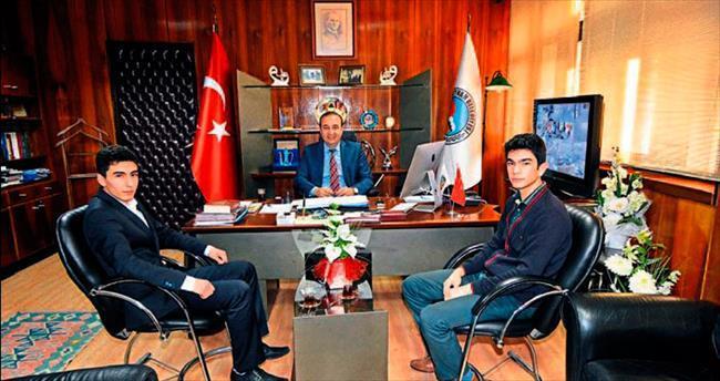 Lise öğrencilerinden Başkan Öztürk'e ziyaret