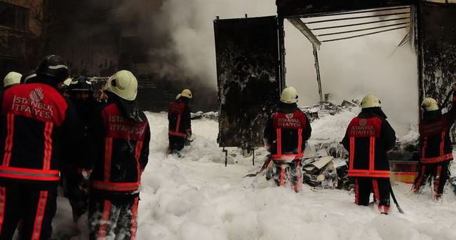 İstanbul'da kimyasal yüklü tanker patladı!