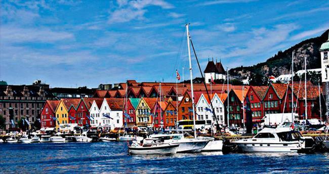 Fiyortların gölgesinde bir şehir Bergen