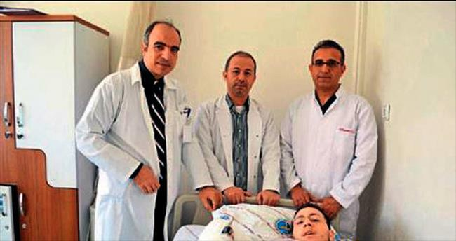 Gaziantep'te kopan kol yerine başarıyla dikildi