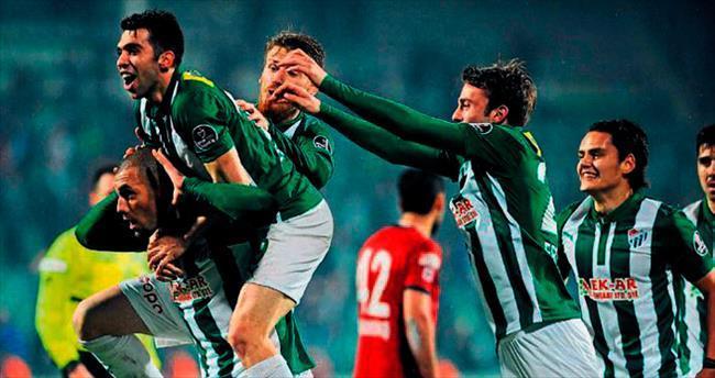 Bursaspor'a 3 puan ilaç gibi gelecek