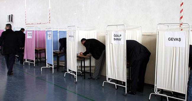 AK Parti'de temayül yoklaması sürüyor