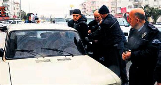 Otomobil hırsızını Müdür yakaladı