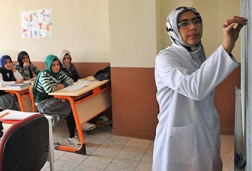 Geçen yıl 28 Şubat mağduru 798 öğretmen atandı