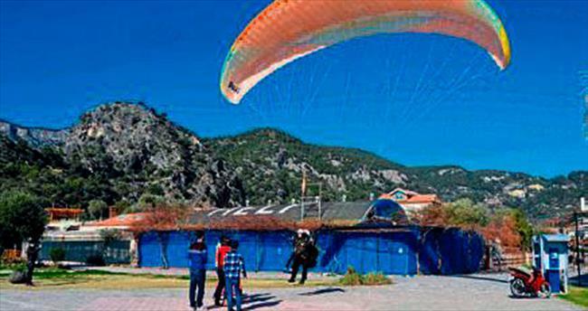 Babadağ'daki paraşütler açıldı