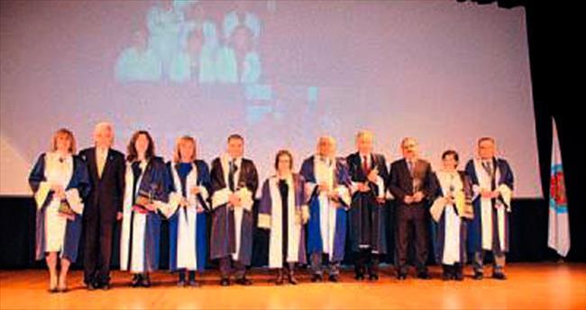 DEÜ Tıp Fakültesi 37. yılını kutluyor