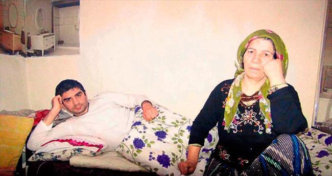 Talihsiz kadın engelli oğluna yardım istiyor