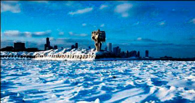 New York'ta son 81 yılın en sert soğuğu yaşandı