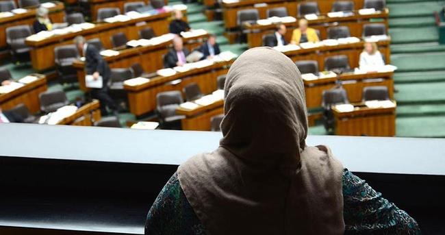 Fransa'da İslam yasası çıkmayacak