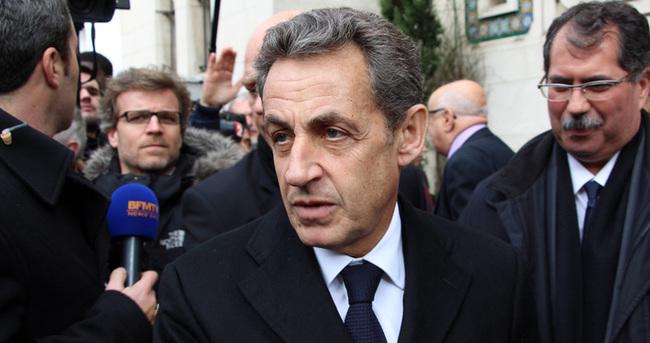 Sarkozy'den Paris Camisi'ne ziyaret