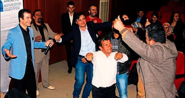 Nihat Akçer Gazipaşa'yı coşturdu