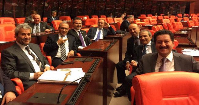AK Partili vekillerden 3 dönem hatırası