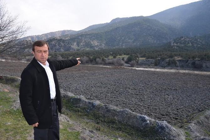 (Özel Haber) Köylüler Ve Belediye Arasında Arazi Gerginliği