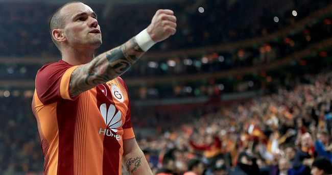 Wesley Sneijder'den Volkan Demirel'e gözdağı