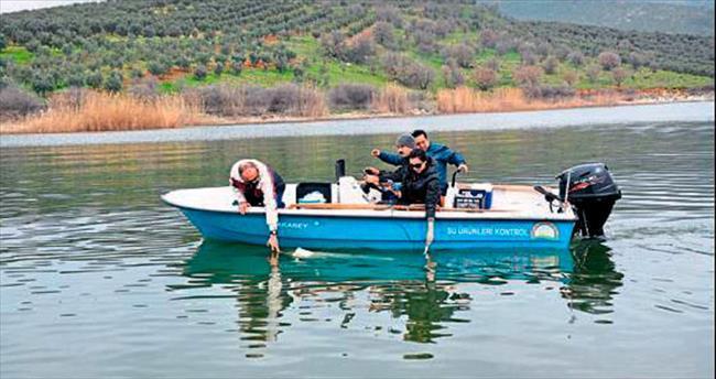 Marmara Gölü her yönüyle inceleniyor