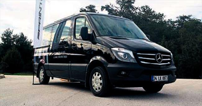 Mercedes yeni aracını tanıttı