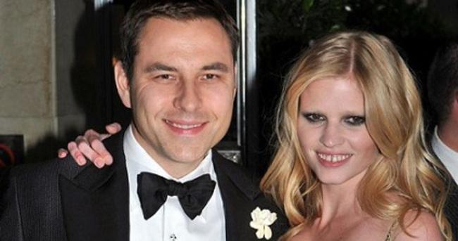 Ünlü oyuncu kıskanmayan kocasından boşandı