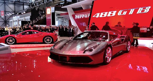 Bu Ferrari 200 km/s'ye 8.3 saniyede çıkıyor