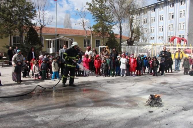 Anaokulunda Yangın Ve Deprem Tatbikatı