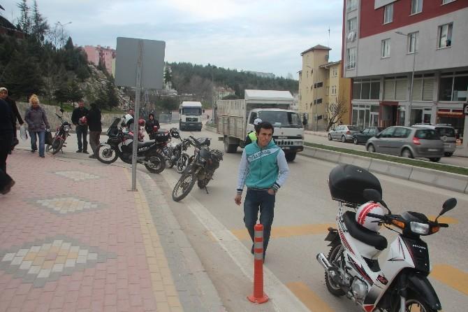 Trafik Ekipleri Motosiklet Sürücüleri Göz Açtırmıyor