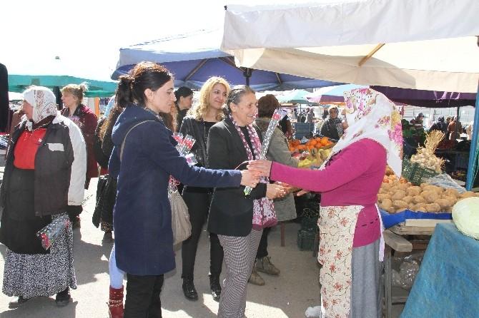 Bağlar Belediye Eşbaşkanı Akat Kadın Jiyan Semt Pazarı'nı Ziyaret Etti