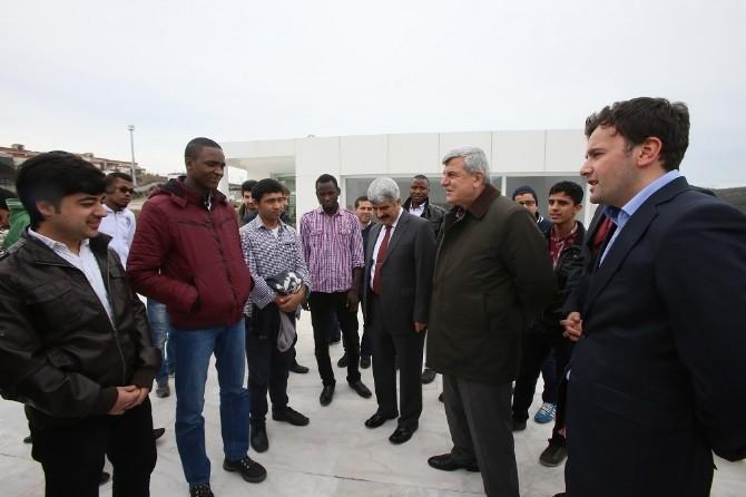 Başkan Karaosmanoğlu Yabancı Öğrencilerle Buluştu
