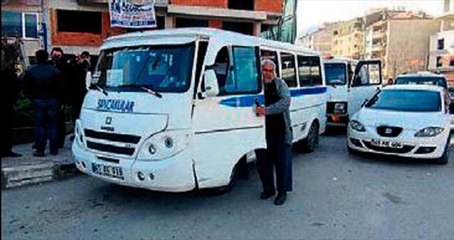 Şoför ile vatandaşlar Büyükşehir'e tepkili
