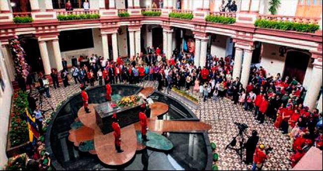 Chavez'siz Venezüella hâlâ krizde