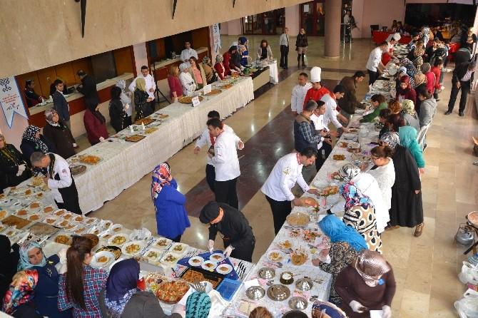 Kayseri'de 110 Ev Hanımı Hünerlerini Yarıştırdı