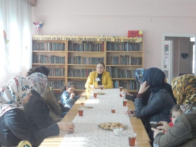Kartepe Bilgi Evleri'nde Aile İçi Eğitim Semineri