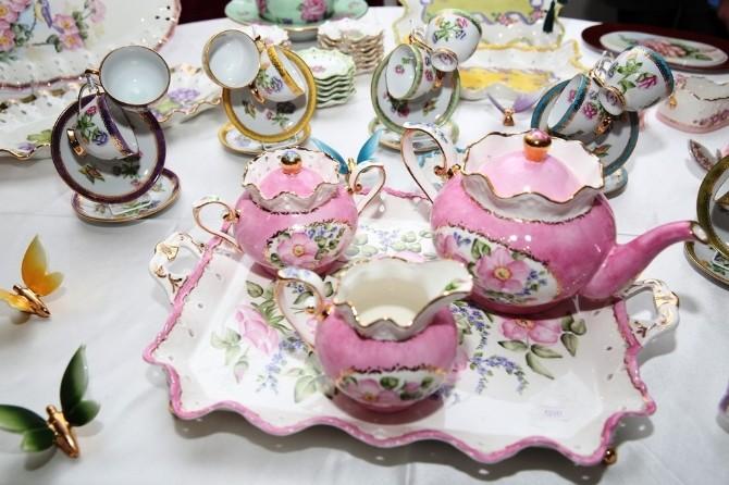 Kadınlar Günü'nde Porselen Sergisi