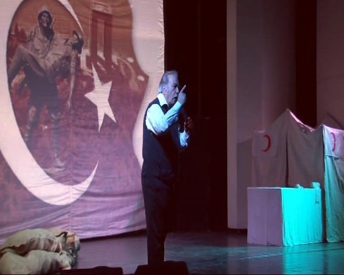Şehitler Diyarı Çanakkale Tiyatrosu Büyük İlgi Gördü