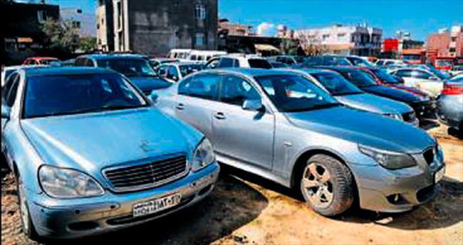 Çalıntı lüks otomobiller Reyhanlı'da ele geçirildi