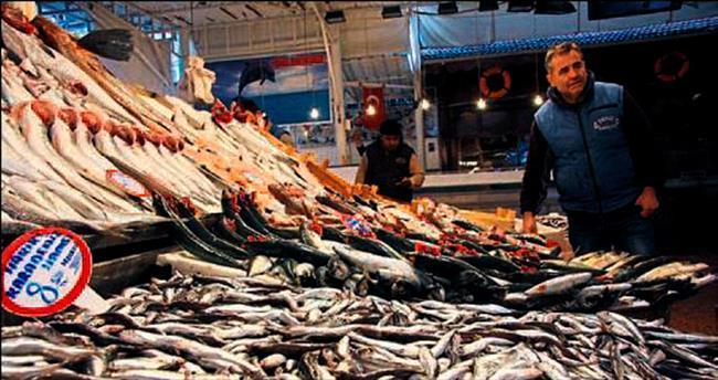 Balık ucuzladı vatandaşın yüzü güldü