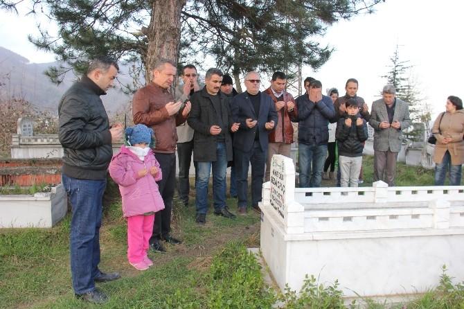 Karikatürist Sezai Oruç Mezarı Başında Anıldı
