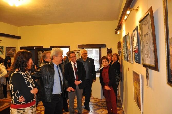 Edremit Belediyesi Sanat Atölyesi'nden Kadınlar Günü Sergisi