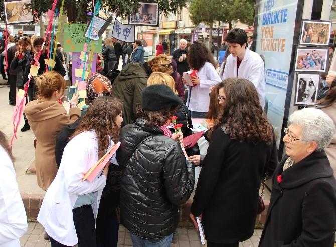 Tıp Öğrencilerinden 8 Mart Etkinliği