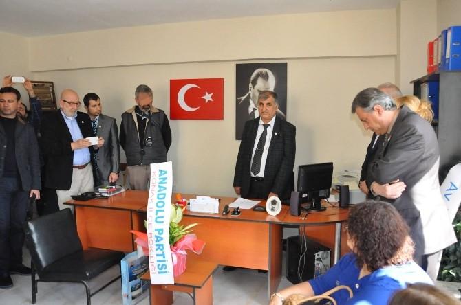 Anadolu Partisi Kuşadası İlçe Binası Açıldı