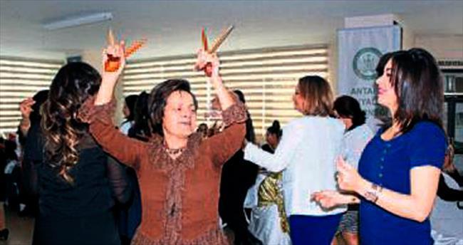 Konyalı kadınların eğlenceli kutlaması